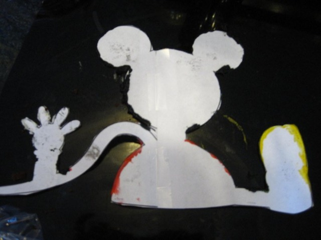 Making A Mickey Mouse Clubhouse Cake